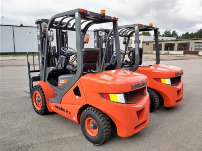 "Two diesel forklift D3500 delivery to the company ""Usi"""
